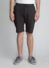 Черные классические шорты средней длины