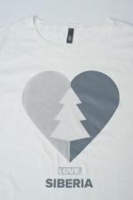 Логотип белой футболки с принтом Love Siberia