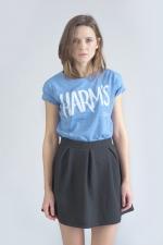 Внешний вид голубой футболки с логотипом Harm's
