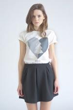 Белая футболка с принтом Love Siberia вид спереди