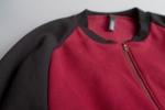 Толстовка на молнии с карманами и воротником-стойкой вид вблизи