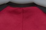 Ткань толстовки на молнии с карманами и воротником-стойкой