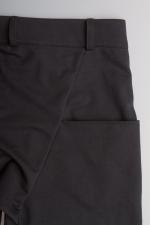 Черные зауженные штаны с манжетами