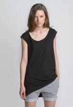 Черная женская летняя футболка платье вид спереди